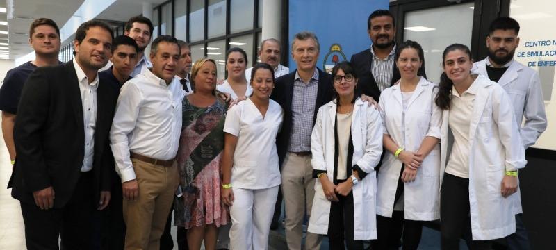 Macri visitó el primer centro de simulación clínica del país para capacitación de enfermeros