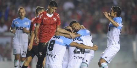 Superliga: Racing se quedó con el clásico, le ganó a Independiente y se mantiene en lo alto de la tabla