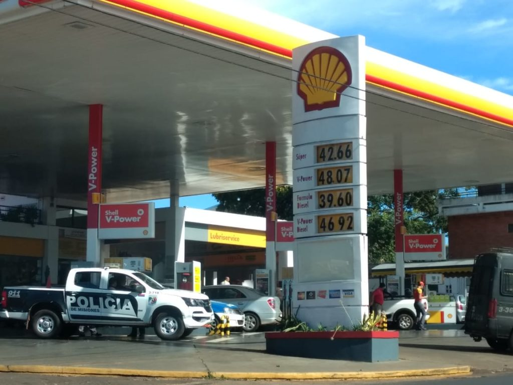 En Posadas ya rigen los nuevos valores en combustibles Shell: el litro de nafta Súper cuesta $42,66