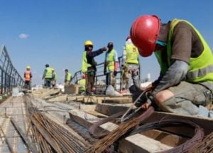 Según la consultora Ecolatina, el empleo asalariado privado cayó a niveles de enero de 2015
