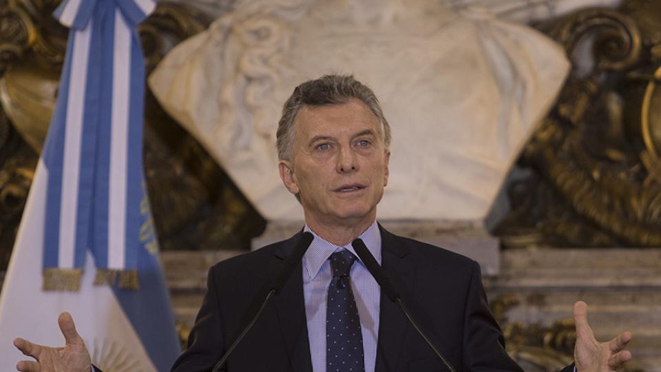 Macri criticó a su padre: «Lo que hizo fue un delito»