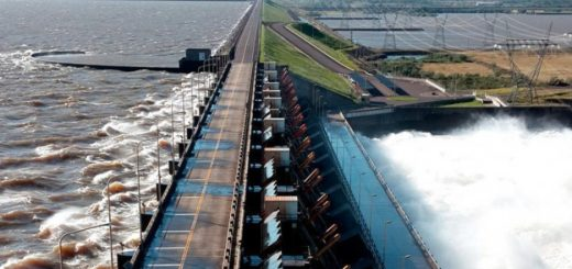 Los presidentes de Argentina y Paraguay firmaron acuerdo para habilitar un paso fronterizo entre Ituzaingó y Ayolas