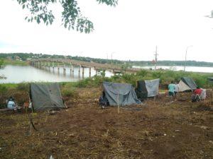 Ocupación de terrenos en el Acceso Oeste de Posadas: no habrá desalojo en las tierras de Yacyretá