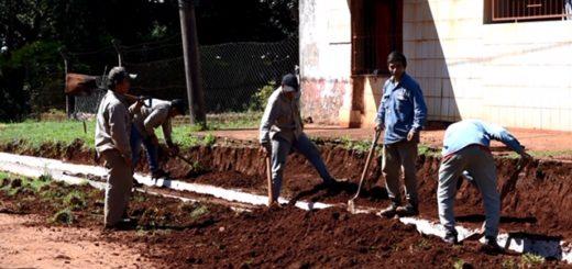 La Municipalidad avanza con obras de cordón cuneta, veredas y badenes en el barrio Altos de Bella Vista de Posadas
