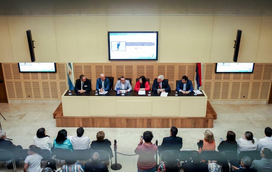 El vicegobernador Oscar Herrera Ahuad participó de la apertura de la primera reunión anual de agrimensores