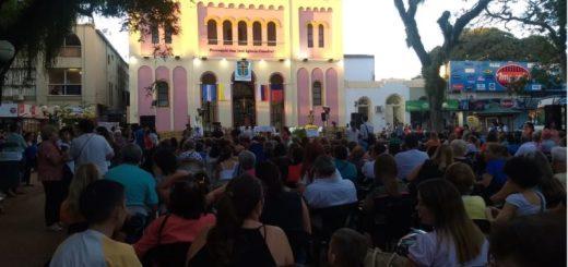 Los feligreses celebran en la Plaza 9 de Julio el Día de San José, Patrono de Posadas