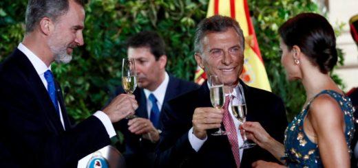"""""""Los argentinos vamos a confirmar que no queremos volver atrás"""", aseguró Macri en la cena con los reyes de España"""