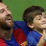 Messi de regreso a Barcelona marcó los dos goles de la victoria ante el Espanyol