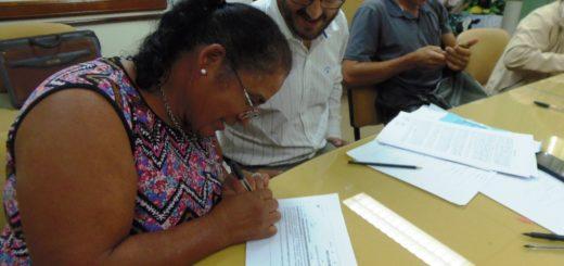 Firmaron convenios para el fortalecimiento de las Cooperativas Lecheras