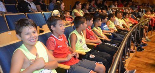 Niños, jóvenes y adultos de Garupá y Eldorado conocieron la Legislatura de Misiones