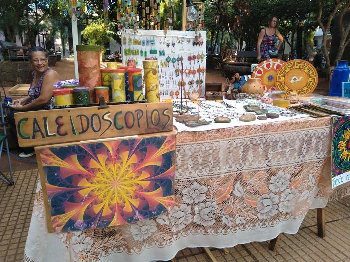 Posadas celebra su Santo Patrono con una feria artesanal y gastronómica en la plaza 9 de Julio
