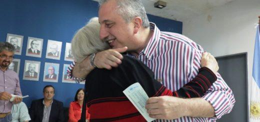 Passalacqua entregó créditos a jubilados del Instituto de Previsión Social (IPS)