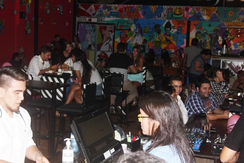 Pese a la crisis económica, se registró una ocupación del 95% en bares y restaurantes durante el fin de semana largo en Misiones
