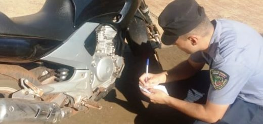 Policías secuestraron moto abandonada por su ocupante en Eldorado y constataron era robada