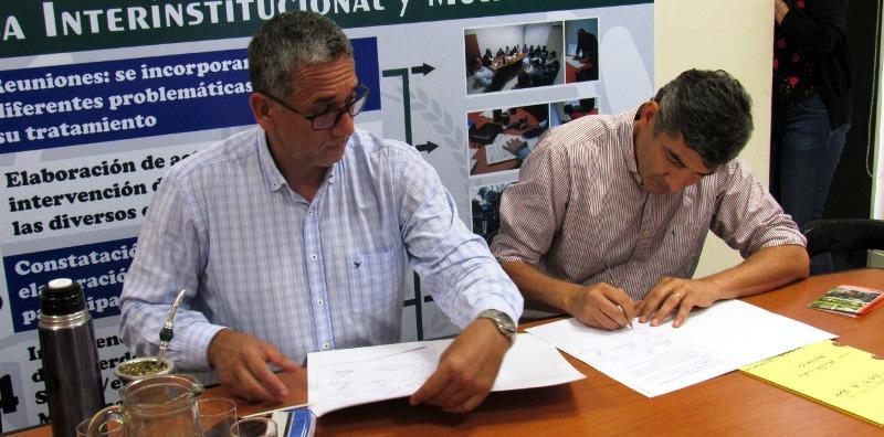 Defensoría del Pueblo, el municipio de Posadas y vecinos del paraje Ojo de Agua firmaron un convenio para reubicar el basural instalado allí
