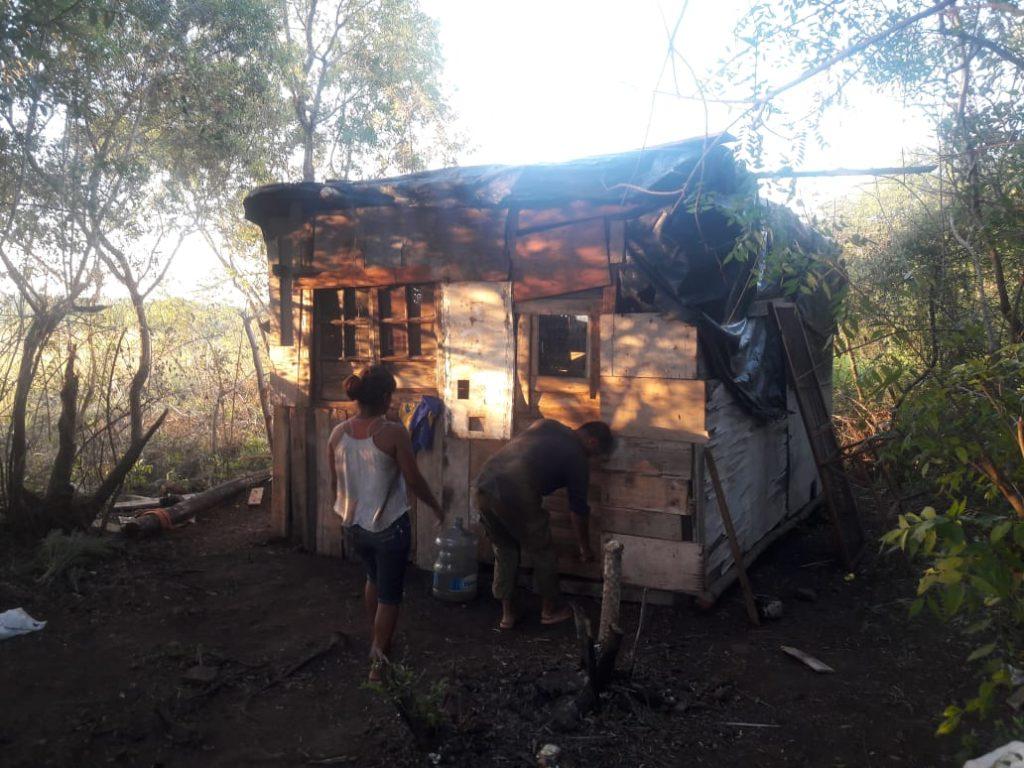 Video: Vea la ocupación de tierras en Posadas por dentro y el testimonio de una persona que asegura que ya son 500 en el lugar