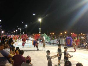 La Costanera se llenó de brillo con el desfile de Carnaval de Posadas