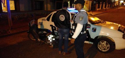 Capioví: durante operativo de control vial, policías interceptaron a motociclista alcoholizado con 1,58 de alcohol en sangre
