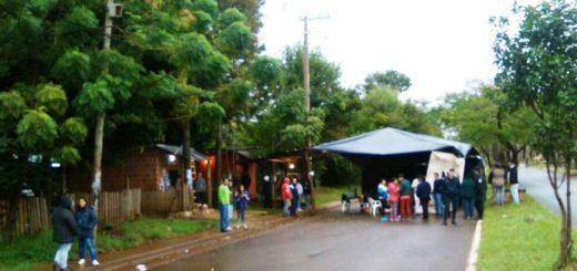 33 vecinos de Posadas se resisten a un desalojo y cortan la intersección de las avenidas Urquiza y Lavalle