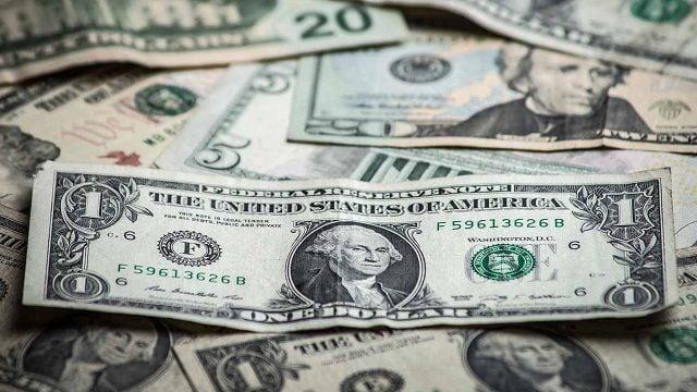 Frente a las subas de tasas, el dólar retrocedió 3% y cerró en $42,20