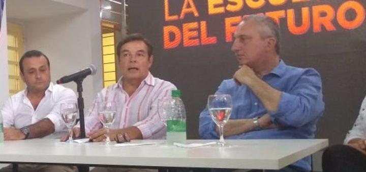 Tras recorrer la Escuela de Innovación, Rovira anunció que el Vicegobernador Oscar Herrera Ahuad será el candidato a gobernador por la Renovación  y Hugo Passalacqua a diputado provincial