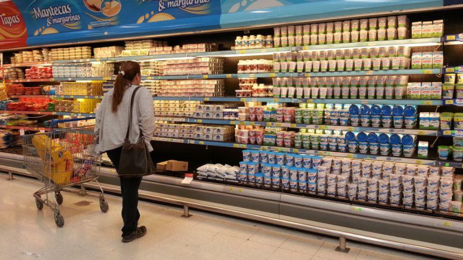 """Lácteos por las nubes: Beigbeder acusó a los fabricantes de """"abusar"""" de la necesidad de la gente y llamó a reducir el consumo"""