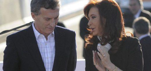 Cristina Kirchner les dio el pésame al Presidente y su familia por la muerte de Franco Macri a través de Twitter