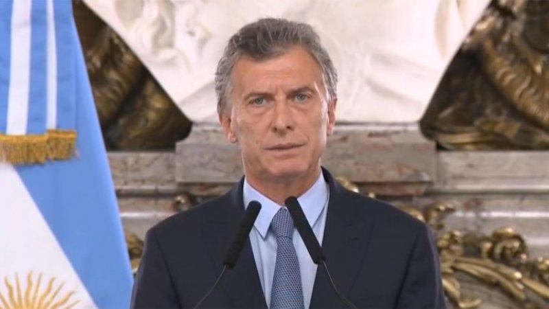 """Mauricio Macri: """"Nuestro gobierno no entra como matones a los diarios ni derriba antenas"""""""