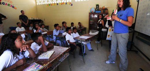 En las escuelas de toda la provincia se iniciaron con normalidad las clases