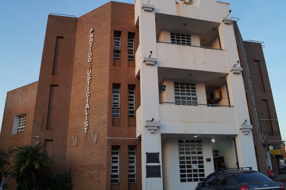 Homenaje a las víctimas del terrorismo de estado en la sede del PJ misionero