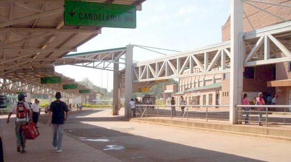 Detectaron a un empleado de una empresa de colectivos vendiendo boletos falsos en la Terminal de Transferencias