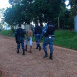 Detuvieron a un grupo de jóvenes por robar dinero y un celular sobre avenida Santa Cruz de Posadas