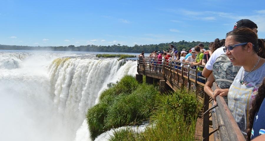 Más de un millón y medio de turistas viajarán por el fin de semana largo: se estima que el impacto económico será de 6.130 millones de pesos
