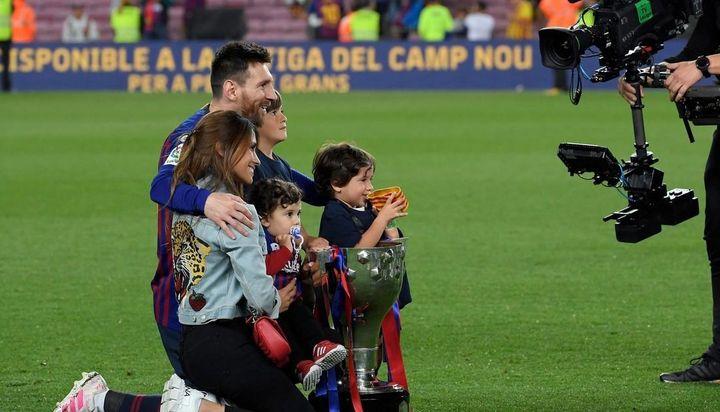 Lionel Messi festejó junto a Antonela y sus hijos el nuevo título: las tiernas imágenes