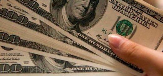 Tras una baja inicial, el dólar volvió a subir y cerró la semana en $47