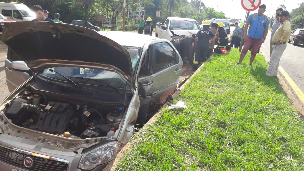 Iguazú: accidente entre un taxi y una camioneta deja dos heridos