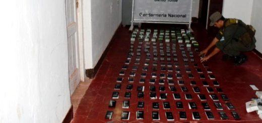 Contrabando en Santo Tomé: ocultaban 187 celulares de alta gama en un ómnibus
