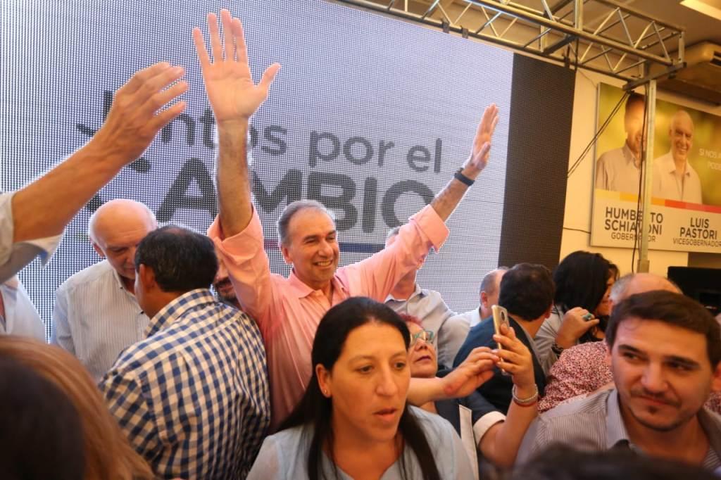Juntos por el Cambio presentó a sus candidatos en la provincia: Humberto Schiavoni prometió crear 30 mil puestos de trabajo en 4 años