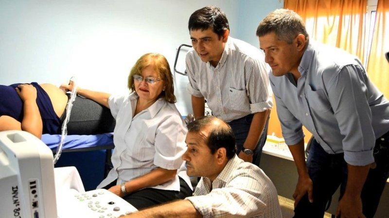 El Vicegobernador Oscar Herrera Ahuad y Joaquín Losada pusieron en funcionamiento un Centro de Ecografía en el CAPS municipal del barrio Latinoamérica de Posadas