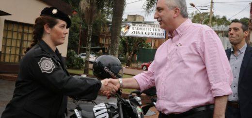 Passalacqua entregó motocicletas a la Policía de la Regional II de Oberá