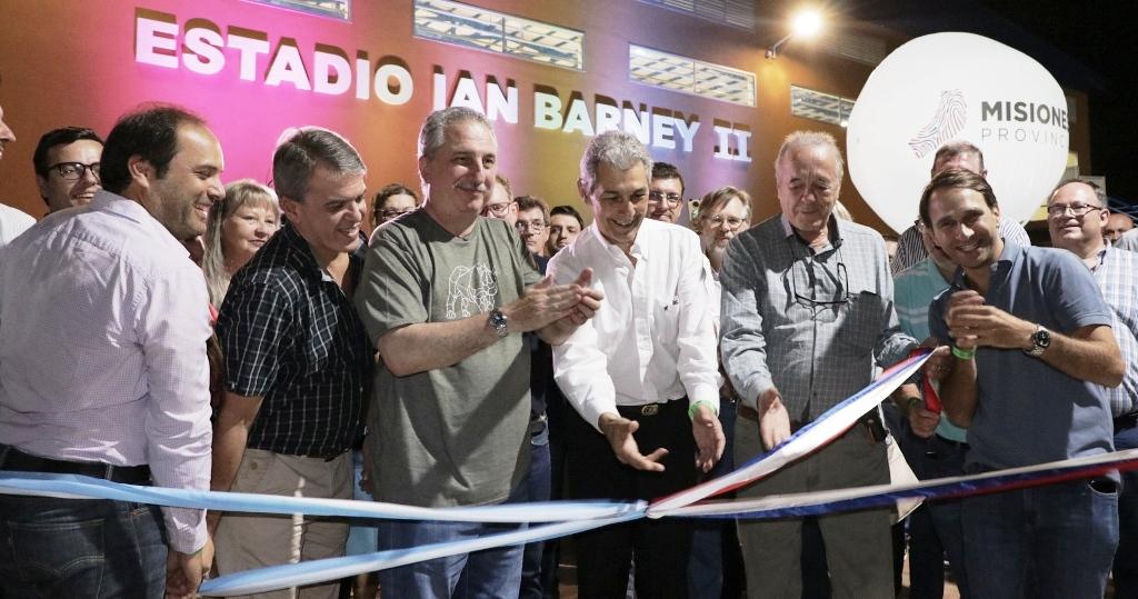 "Mundial de Futsal 2019: Passalacqua inauguró el ""Ian Barney II"" en Oberá"