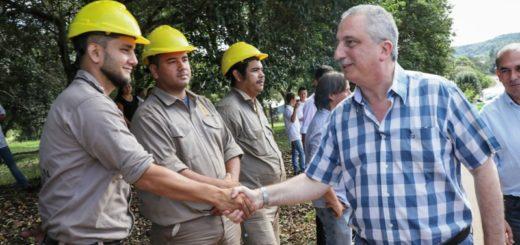 """""""El asfalto es producción que se mueve, chicos que van a la escuela, es progreso"""" dijo Passalacqua al inaugurar la obra de acceso a Arroyo del Medio"""