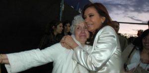 Cristina agradeció los mensajes de condolencias por la muerte de su madre