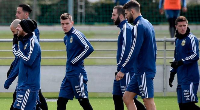 Un futbolista de la selección argentina reconoció que tuvo un cruce con Lionel Messi
