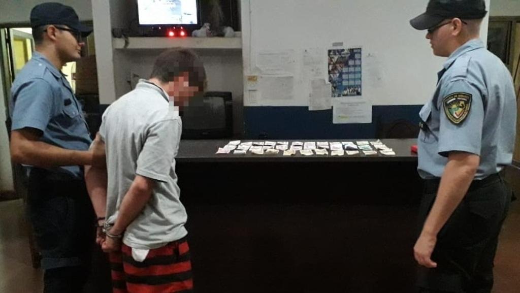Sorprendieron a un joven dentro de una agencia de quiniela en Posadas intentando llevarse dinero en efectivo, fue detenido