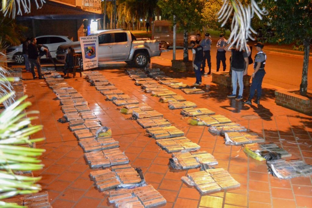La Policía de Misiones halló casi 950 kilos en la camioneta «narco» incautada en Dos de Mayo
