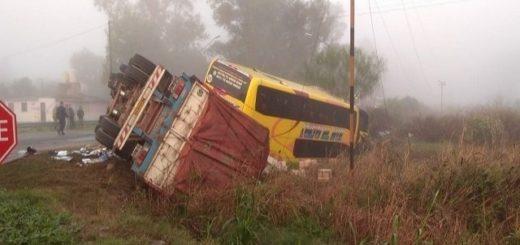 Siniestro vial en Córdoba: el fiscal imputó por homicidio culposo al chofer del camión que embistió al micro que había partido de Posadas
