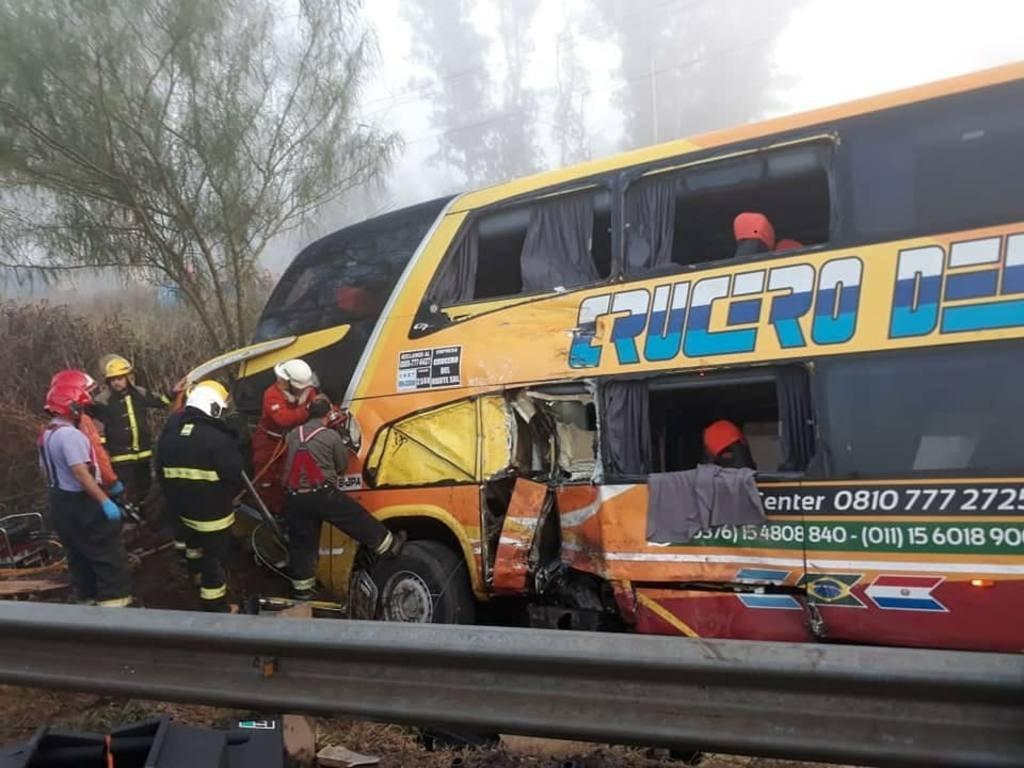 Siniestro vial en Córdoba: identificaron al chofer del micro que perdió la vida en el accidente y asciende a 16 la lista de heridos, 2 de ellos están graves