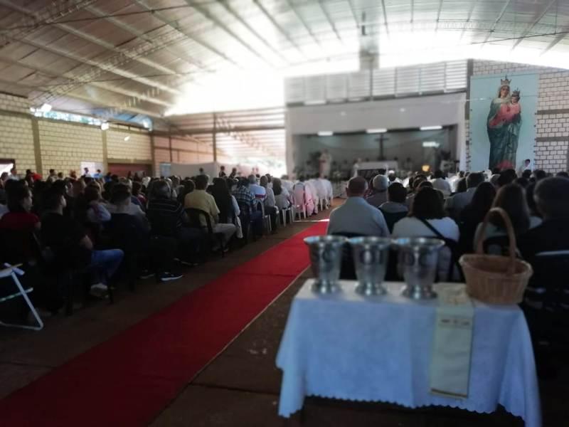 """Misa Crismal en Alem: Monseñor Martínez llamó a """"amar con caridad, dando la vida"""""""