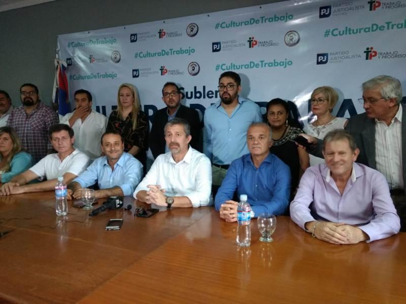 Oscar Herrera Ahuad y Carlos Arce acompañaron el lanzamiento del sublema Cultura de Trabajo